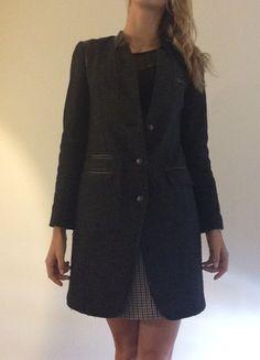 Compra mi artículo en #vinted http://www.vinted.es/ropa-de-mujer/abrigos-largos/765475-abrigo-negro-lana-y-cuero-ikks