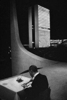 6 Lessons Rene Burri Can Teach You About Street #Photography | via @erickimphoto | Copyright: Rene Burri / Magnum Photos. BRAZIL. Brasilia.1960.
