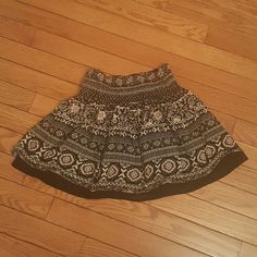 Forever 21 boho skirt Super cute boho skirt from forever 21 pair it up with some gladiator sandals & a crop top! Forever 21 Skirts Mini