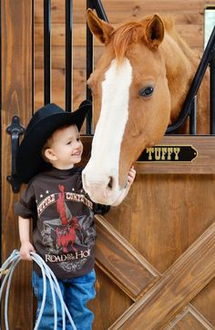 Road to the Horse Little Cowboy, Cowboy Up, Cowboy And Cowgirl, Cute Kids Pics, Cute Pictures, Most Beautiful Animals, Beautiful Horses, Pretty Horses, Horse Love