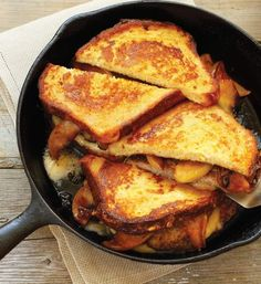 The Ver-Monte Cristo Sandwich Looking for that perfect rainy day sandwich? Look no further with this ver-monte cristo sandwich. Made with Cabot sharp cheddar, get the recipe today! Monte Cristo Sandwich, Sammy, How To Cook Sausage, Wrap Sandwiches, Recipe Today, Sandwich Recipes, Grilled Sandwich, The Fresh, Cooking Recipes