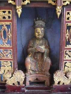 Qing Dynasty House Altar with Daoist Saint