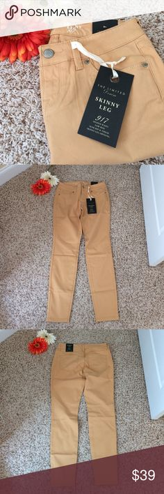 """THE LIMITED Skinny Leg Denim 917 NWT, was an online exclusive! Skinny Leg, style 917. 80% cotton, 17% rayon, 3% spandex. Size 4. Approx meas (laying flat): waist 15"""", rise 8"""", inseam 29.5"""". The Limited Jeans Skinny"""