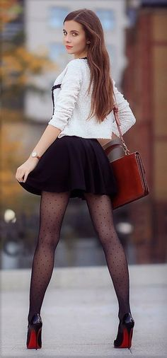 Mini Skirts and Sexy Legs Looks Pinterest, Pernas Sexy, Sexy Women, Botas Sexy, Modelos Fashion, Pantyhose Outfits, Pantyhose Skirt, Vestidos Sexy, Sexy Legs And Heels