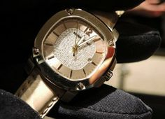 Best Fashion Accessories Luxury watches Britain Trench Gold Collection Burberry baselworld