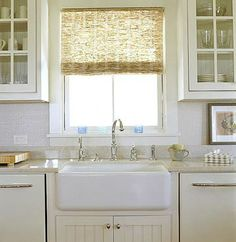 New farmhouse kitchen window coverings farm sink ideas Farm Style Sink, Farm Sink, White Cottage Kitchens, Home Kitchens, Kitchen Window Coverings, Farmhouse Sink Kitchen, Kitchen Sinks, 1940s Kitchen, Kitchen Blinds Above Sink