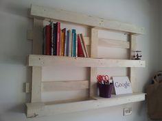Pallet bookcase #Bookcase, #Pallets, #Shelves