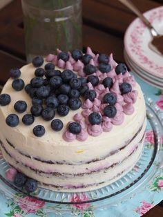 food_drink - Letná torta s mascarpone a lesným ovocím Sweet Desserts, Sweet Recipes, Cake Recipes, Dessert Recipes, Czech Recipes, My Dessert, Sweet Cakes, Pavlova, No Bake Cake