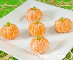 Pumpkin Cuties - These mini pumpkins couldn't be any cuter or easier to make! Tags: healthy snacks for kids   healthy Halloween treats   Halloween party treats   Halloween treats for kids   SuperMoms360.com