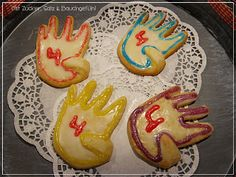 """Yara hat Geburtstag, sie wird """"4 mit ohne Daumen"""" und wir verschenken Kekse :-)"""