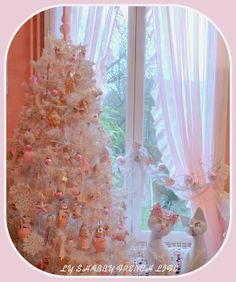 French shabby Christmas tree