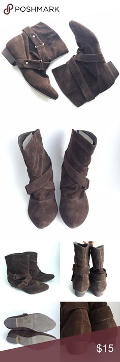 🔹Forever 21🔹suede ankle boots Dark brown suede ankle booties from Forever 21. Heel height = 1 inch. Some scratches to the back of the left heel (see photos) other than that no obvious flaws that I can see. Antiqued gold or brass-looking hardware. Forever 21 Shoes Ankle Boots & Booties