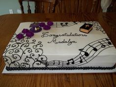 Musical Grad Cake on Cake Central Music Themed Cakes, Music Cakes, Cupcakes, Cupcake Cakes, Bolo Musical, Music Note Cake, Piano Cakes, Graduation Celebration, Graduation Cake