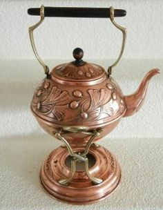 Jugendstil teakettle on warming stand, gingko leaf motif, copper and brass, manufactured by Carl Deffner, Esslingen, Germany