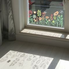 Lovely flowers window drawing, for when you want (even more) nature in your home! Chalk Pens, Chalk Art, Window Art, Window Decals, Chalk Design, Flower Window, Into The Fire, Garden Windows, Vintage Easter
