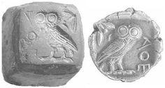 Aquí podemos ver el objeto (izquierda) con que se crea la moneda (derecha), en la Grecia antigua.