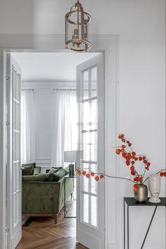 〚 Bright modern apartment with classic details in Vilnius 〛 ◾ Photos ◾Ideas◾ Design Interior Design Inspiration, Home Interior Design, Interior And Exterior, Interior Decorating, Decorating Games, Home Living Room, Living Room Decor, Dream Decor, Home Fashion