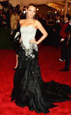 Blake Lively wows in a breathtaking strapless gown by Gucci.