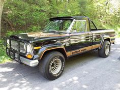 My dad's 1978 Golden Eagle package. Purchased March 79 was daily driver til Sept Jeep Camping, Motorcycle Camping, Jeep Truck, Jeep Golden Eagle, Jeep Garage, Old Jeep, Jeep Wagoneer, Cherokee Chief, Pickup Trucks