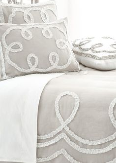 Pine Cone Hill Ruched Linen Platinum #bedding #pillowsham #duvetcover