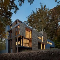 Mohican+Hills+House+by+Robert+Gurney+Architect+overlooks+the+Potomac+River