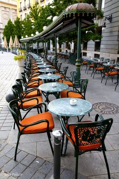 Café de Oriente - Madrid, Spain - easily one of the coolest cities I've ever… Oh The Places You'll Go, Places To Travel, Places To Visit, Beautiful World, Beautiful Places, Travel Around The World, Around The Worlds, Tuileries Paris, Madrid Travel