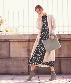 by the sea Fashion Pants, Fashion Models, Girl Fashion, Fashion Looks, Womens Fashion, Magazine Japan, Japanese Fashion, Japanese Style, International Fashion
