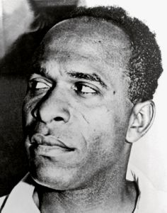 Frantz Omar Fanon (1925-1961) was a Martinican psychiatrist and essayist. Psychiatrist, writer, anti-colonialist fighter, Frantz Fanon marked the 20th century by his thought and action, despite a brief life stricken by illness.