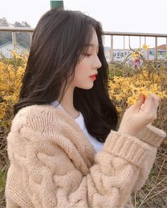 You don't have to be a perfect, because a real man love a girl however she look❤ -jb- Pretty Korean Girls, Cute Korean Girl, Cute Asian Girls, Beautiful Asian Girls, Cute Girls, Ulzzang Girl Fashion, Ulzzang Korean Girl, Ulzzang Girl Selca, Ulzzang Style
