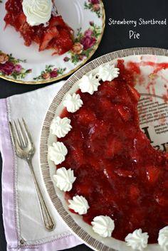 Strawberry Shortbread Pie @Walker Hamilton Smith Shortbread USA. Simply yet sweet Strawberry Shortbread Pie. #californiastrawberries #walkershortbreadcookies #whipped cream @Jackie Gregory happenstance