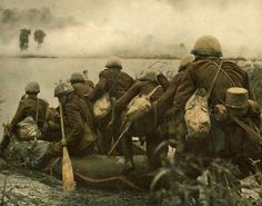 Members of Slovak Fast division (Rýchla divízia) crossing river Dneper Should i post more abou - wwii_history_doslamibaterka Colorized Photos, Ww2 Photos, Ww2 History, Military History, History Pics, Man Of War, Red Army, Vietnam War, World War Two