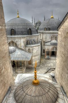 Blue mosquee view from Hagia Sophia window Turkey (by Davide Seddio)