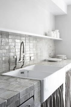 kitchen tiles, white & grey modern backsplash, white kitchen, contemporary decor