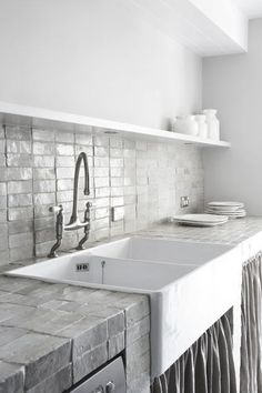 kitchen tiles, white & grey modern backsplash, white kitchen, contemporary decor