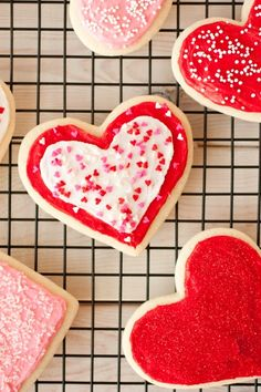 Lofthouse Style Sugar Cookies {Cutout Version} from @Jaclyn {Cooking Classy}
