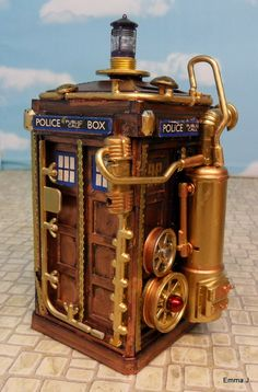 Steampunk Tardis hate dr who, love this