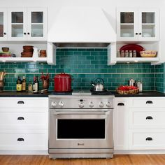 5 Vivid Clever Hacks: Old Kitchen Remodel kitchen remodel lighting fixer upper.Kitchen Remodel Flooring Bathroom small kitchen remodel mobile home. Classic Kitchen, Old Kitchen, Kitchen On A Budget, Kitchen Ideas, Ranch Kitchen, 1950s Kitchen, Narrow Kitchen, Cheap Kitchen, Country Kitchen