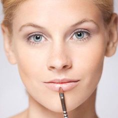 Schminkschule: Mit Make-up clever kaschieren
