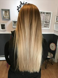 Enjoy the beauty of shiny and silky and smooth beautiful hair. Blonde Hair Looks, Brown Blonde Hair, Boliage Hair, Blonde Balayage, Short Balayage, Balayage Straight, Honey Balayage, Smooth Hair, Ombre Hair