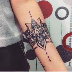 #TatoosParadise Artista: @ Sigam nossos outros perfis: @oficialtattoos @piercingsparadise ----------------------------------- Marque sua Tattoo com a Tag #tatoosparadise e sua foto poderá aparecer no nosso perfil -------------------------------------#tattoo #tattoos #tatuagem #tats #instatatoo #tattooer #tattooartist #tatooed #tattoomagazine #ink #tattooartwork #tatuaje #inkedmag #tatuagemfeminina #tatuagensfemininas #inked #amazingink #bodyart #tattoooftheday #tats #inkedup #tat #ta...