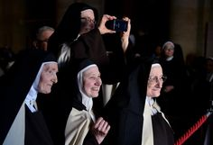 Shroud of Turin - Photos of the week - The week in pictures - June 20-26, 2015 - Pictures - CBS News