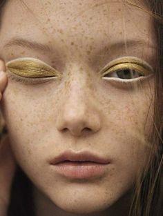 Sara Grace Wallerstedt by Karim Sadli for Vogue Italia January 2018 // gold eyeshadow // white eyeliner Makeup Trends, Makeup Inspo, Makeup Art, Makeup Inspiration, Makeup Tips, Hair Makeup, Makeup Ideas, Freckles Makeup, Clown Makeup