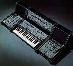 A complete Roland System 100