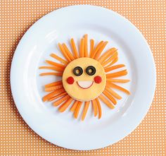 Want to get a little creative with your kids' food? We've rounded up the best ideas from cute-food expert Jill Dubien. Edible Crafts, Food Crafts, Edible Art, Food Art For Kids, Cooking With Kids, Cooking Tips, Easy Cooking, Healthy Cooking, Cute Food
