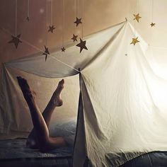 Hanging stars above an indoor tent. What fun! Camping 3, Indoor Camping, Camping Indoors, Camping Cabins, Camping Places, Luxury Camping, Camping Theme, Winter Camping, My Sun And Stars