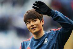 Stoke City had 7 million bid for Ki Sung-Yueng rejected before Joe Allen approach - reports