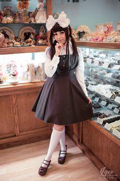 lace-a-la-mode:  New blog post! Exploring with Usakumya-chan