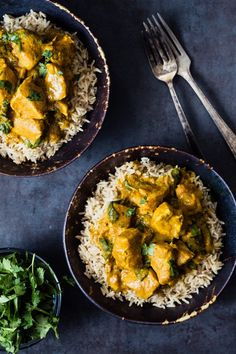 Slow cooker turmeric chicken with spinach | Eat Good 4 Life. Prep time is just 10 minutes.