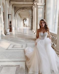 The perfect dress will make you a real goddess! ✨ Do you agree? 😍 🙋 🙋 🙋 if you& say YES to this dress 💕Tag your girls to see if they like this & ⠀ ⠀ Bride ⠀ [& The post The perfect dress will make you a real goddess! Do you ag Wedding Dress Gallery, Wedding Photos, Wedding Goals, Dream Wedding, Bridal Gowns, Wedding Dresses, Wedding Robe, Bridal Musings, Bridal Fashion Week