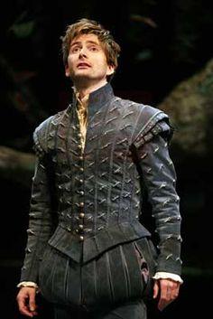 David Tennant in Shakespearean garb. -- Renaissance Eye Candy. Why don't more men embrace poofy pants??